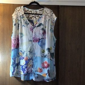 Sleeveless floral top 2x